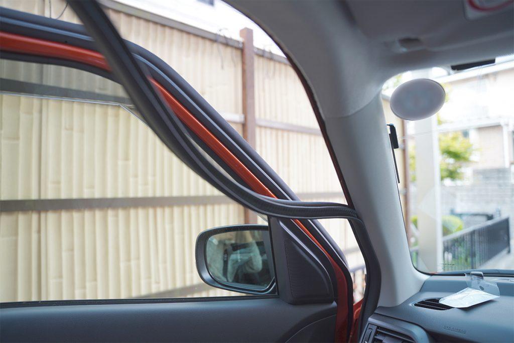 スズキ スイフトスポーツ ZC33S オレンジ ドライブレコーダー取り付け(ウェザートリップ取り外し)