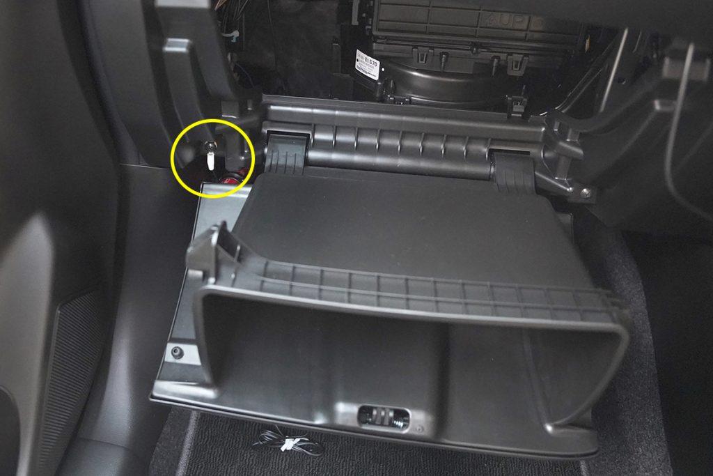 スズキ スイフトスポーツ ZC33S オレンジ ドライブレコーダー取り付け(アース取り付け)