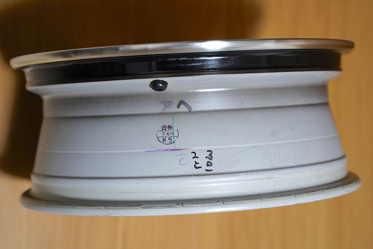 スイフトスポーツZC33S純正装着ホイール